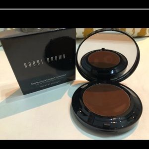 Bobbl Brown Foundation
